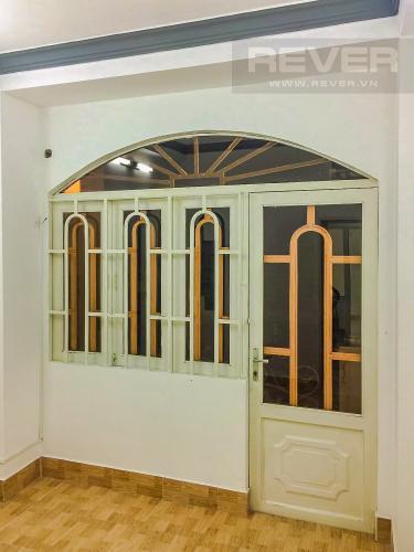 Phòng ngủ 1 Bán nhà phố đường Âu Dương Lân diện tích 87m2, 4PN 4WC, nội thất cơ bản