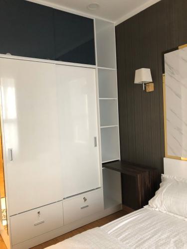 Nội thất căn hộ Kingston Residence Căn hộ Kingston Residence đầy đủ nội thất tiện nghi, tầng cao.