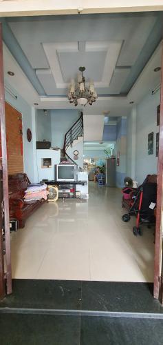 Phòng khách nhà phố Linh Xuân, Thủ Đức Nhà phố mặt tiền Thủ Đức, thích hợp đầu tư kinh doanh.