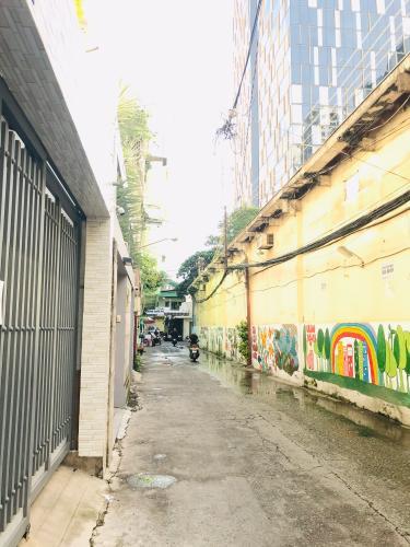 Hẽm nhà phố quận 4 Bán nhà phố 4 phòng ngủ đường hẻm Nguyễn Trường Tộ, diện tích đất 86.6m2, diện tích sàn 167.4m2, sổ hồng đầy đủ