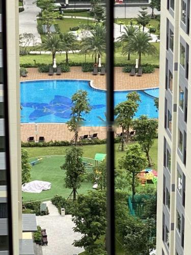 View căn hộ Vinhomes Grand Park Căn hộ Vinhomes Grand Park nội thất đầy đủ tiện nghi, view nội khu.