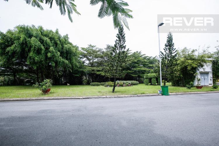 Khuôn Viên Trước Nhà Nhà phố 3 phòng ngủ khu Hoja Villa, Phước Long B, Quận 9