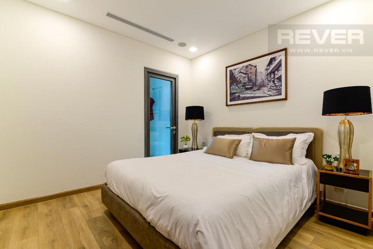 Phòng Ngủ 1 Bán hoặc cho thuê căn hộ Vinhomes Central Park 4PN, tháp Landmark 81, diện tích 164m2, đầy đủ nội thất, căn góc view thoáng