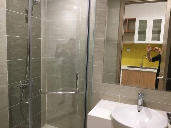 Toilet Vinhomes Grand Park Quận 9 Căn hộ Vinhomes Grand Park tầng trung, trang bị nội thất cơ bản.