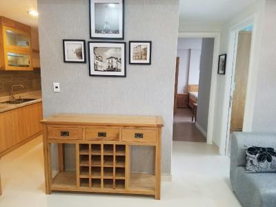 Bán hoặc cho thuê căn hộ Masteri Thảo Điền 2PN, tháp T5, đầy đủ nội thất, view Xa lộ Hà Nội và Landmark 81