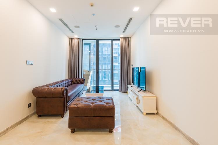 Phòng khách Căn officetel Vinhomes Golden River 1PN đầy đủ nội thất, view sông Sài Gòn