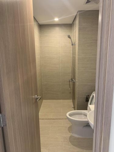 Toilet Vinhomes Grand Park Quận 9 Căn hộ view thành phố Vinhomes Grand Park cùng nội thất cơ bản.
