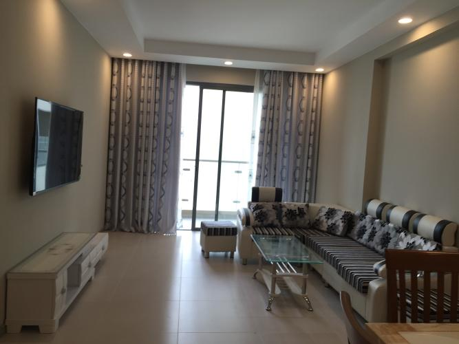 Phòng khách căn hộ The Gold View Căn hộ The Gold View đầy đủ nội thất, view sông mát mẻ trong lành.