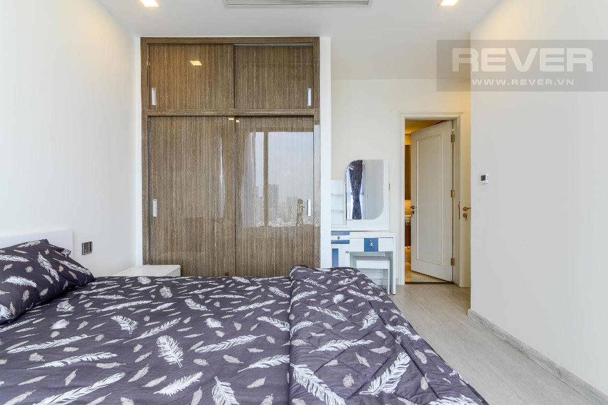 7 Cho thuê căn hộ Vinhomes Golden River 2PN, tầng trung, đầy đủ nội thất, view sông và Landmark 81