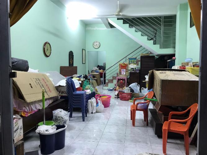 Phòng khách nhà phố quận 9 Bán nhà phố P. Long Bình, Q9 diện tích 4x15.75m, sổ hồng chính chủ.