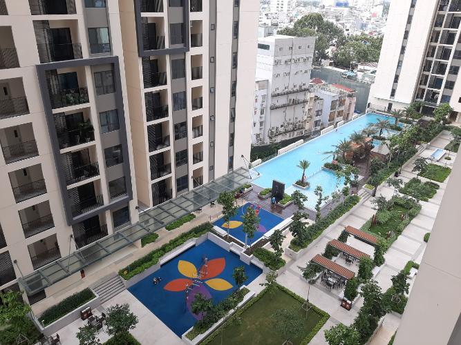 View Hado Centrosa Garden, Quận 10 Căn hộ Hado Centrosa Garden tầng cao, hướng Nam, view nội khu.