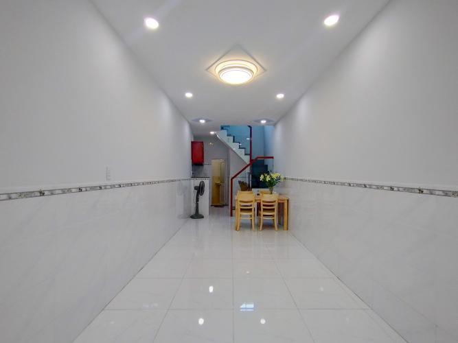 Phòng khách Bán nhà phố hẻm đường Bến Vân Đồn, phường 5, quận 4, diện tích đất 26.7m2, diện tích sử dụng 49.8m2