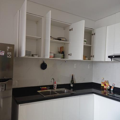 Kệ Bếp căn hộ Luxcity Căn hộ tầng cao Luxcity, ban công hướng Bắc nội thất đầy đủ