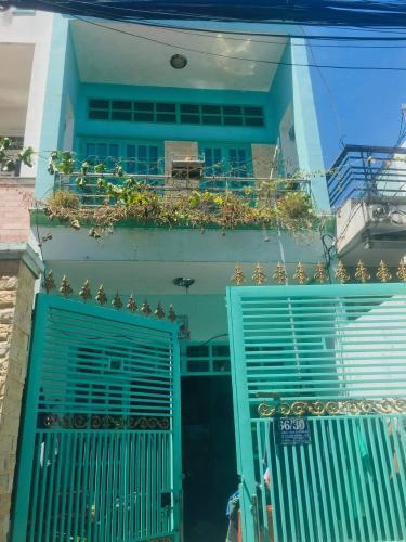 Bán nhà hẻm 2 tầng đường Trần Văn Khánh, dân cư sầm uất, cách cầu Tân Thuận 200m.