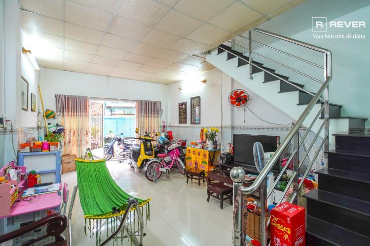 Phòng khách nhà phố QUẬN 4 Bán nhà phố hẻm Tôn Đản, Quận 4, đầy đủ nội thất, hướng Đông Bắc