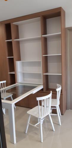 Nội thất căn hộ Vinhomes Grand Park Căn hộ Vinhome Grand Park đầy đủ tiện nghi, cửa chính hướng Tây Nam.