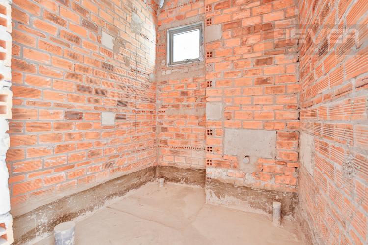 Toilet Căn hộ The Gold View 2 phòng ngủ tầng thấp A3 nhà thô, không nội thất