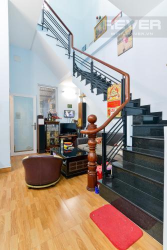 ban-nha-quan-9 Bán nhà đường Đỗ Xuân Hợp, Quận 9, diện tích 70m2, đầy đủ nội thất, cách chợ Phước Bình 400m
