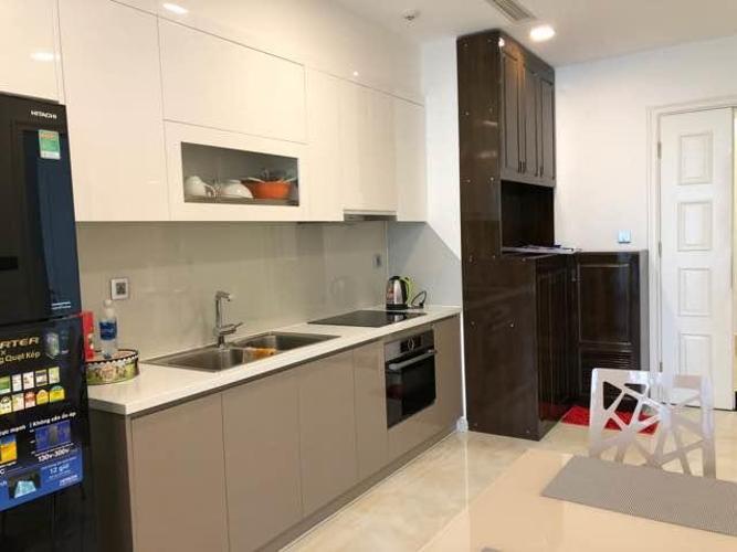Cho thuê officetel Vinhomes Golden River 1PN, diện tích 49m2, đầy đủ nội thất, hướng ban công Đông Bắc