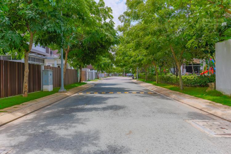 Lối Đi 1 Biệt thự nghỉ dưỡng 5 phòng ngủ Riviera Cove Quận 9