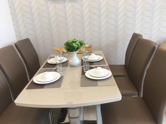 Bàn ăn căn hộ Vinhomes Golden River Bán căn hộ Vinhomes Golden River tầng cao, diện tích 68m2 - 2 phòng ngủ, đầy đủ nội thất.