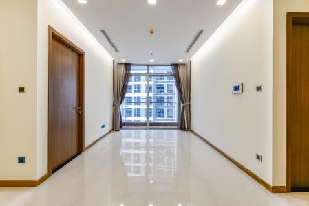 Căn hộ Vinhomes Central Park 2 phòng ngủ tầng trung P4 view nội khu