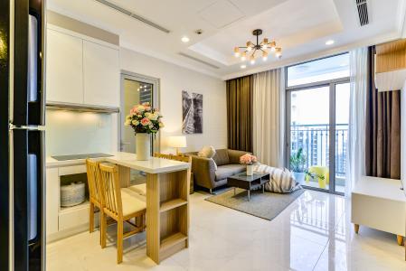 Căn hộ Vinhomes Central Park 2 phòng ngủ tầng cao L1 hướng Nam