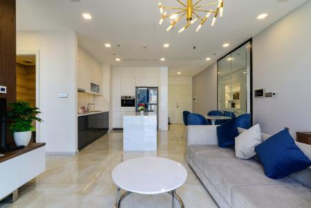 Bán hoặc cho thuê căn hộ Vinhomes Golden River 2PN tầng trung, đầy đủ nội thất, view sông Sài Gòn và Landmark 81