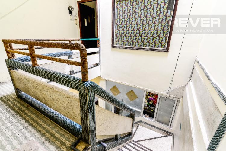 Cầu Thang Bộ Nhà phố 4 phòng ngủ đường Nguyễn Trọng Tuyển diện tích đất 60.3m2