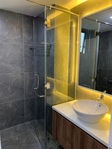 Nhà vệ sinh Saigon South Residence Nhà Bè  Căn hộ Saigon South Residence tầng cao, đầy đủ nội thất.