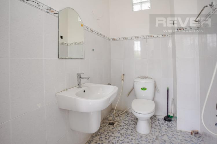 Phòng Tắm 1 Tầng Trệt Bán nhà phố tại Nhà Bè, 2 tầng, 4PN, 4WC, sổ hồng chính chủ