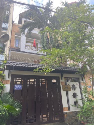 Bán nhà phố đường Bình Lợi, quận Bình Thạnh, diện tích đất 110m2