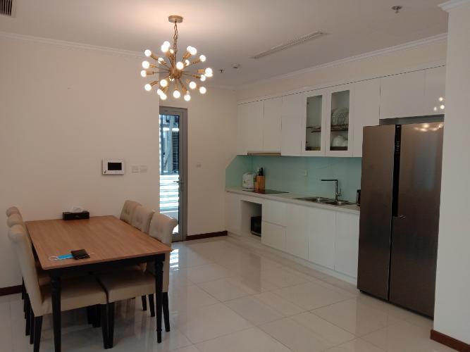 Phòng bếp Vinhomes Central Park Căn hộ Vinhomes Central Park tầng cao, nội thất sang trọng.