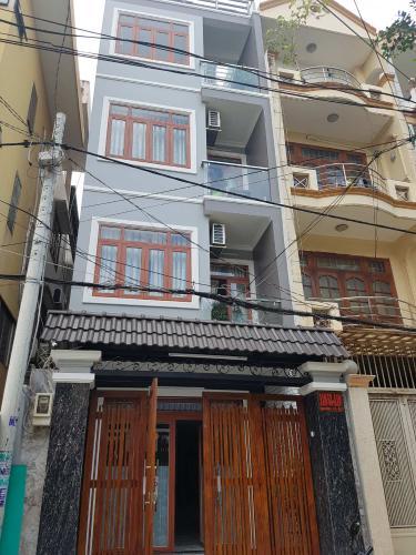 Bán nhà phố hẻm 4 tầng đường Bạch Đằng, Quận Bình Thạnh chính chủ, diện tích 106m2 kèm nội thất đầy đủ.