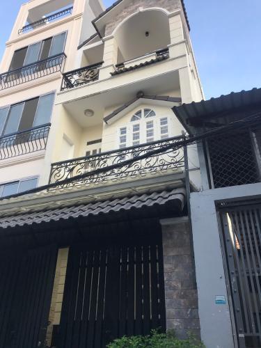 Bán nhà phố Q. Bình Thạnh, cách ngã tư Hàng Xanh gần 1km.