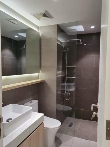 Phòng tắm căn hộ Palm Heights Căn hộ tầng trệt Palm Heights đầy đủ nội thất, 2 phòng ngủ.