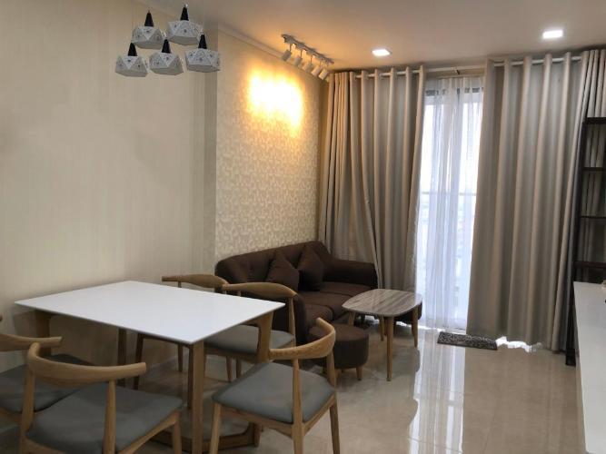Căn hộ Kingston Residence đầy đủ nội thất tiện nghi, tầng cao.