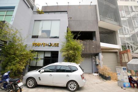 Nhà phố đường Trần Quốc Hoàn Quận Tân Bình diện tích 220.5m2