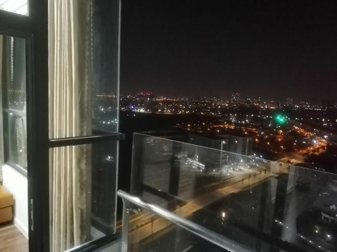 view nhìn ra phía ngoài căn hộ mizuki Căn hộ Mizuki Park tầng cao, bàn giao đầy đủ nội thất.