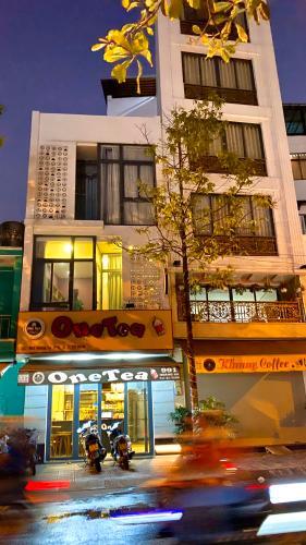 Mặt tiền nhà phố Quận 3 Nhà phố mặt tiền đường Hoàng Sa diện tích đất 45m2, sổ hồng đầy đủ