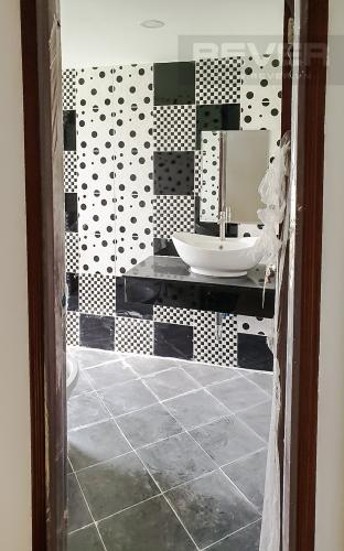 Phòng Tắm 1 Cho thuê nhà 42m2, 2 lầu, 3 PN 3WC nằm trong khu dân cư đông đúc huyện Nhà Bè