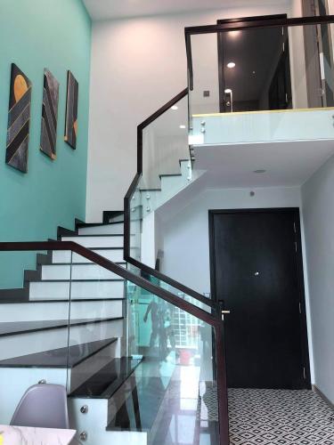 Cầu thang Feliz En Vista Căn hộ Duplex Feliz En Vista tầng cao, view nội khu thoáng mát.