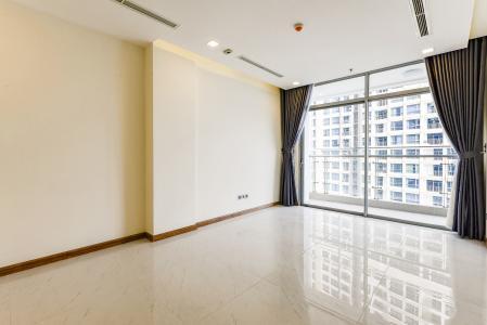 Căn hộ Vinhomes Central Park 2 phòng ngủ, tầng trung P5, nội thất cơ bản