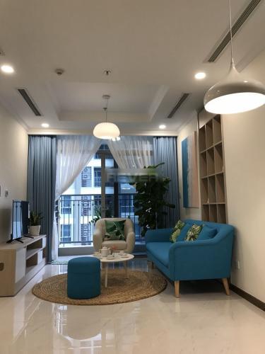 Căn hộ Vinhomes Central Park thiết kế gam màu xanh mát, 2 phòng ngủ.