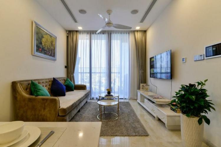 Bán căn hộ Vinhomes Golden River 2PN tầng trung, diện tích 72m2, nội thất cơ bản