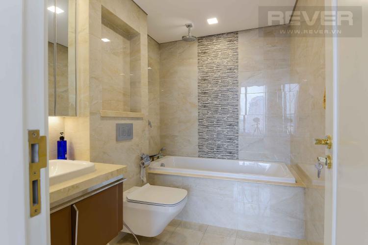 Toilet 1 Bán căn hộ Vinhomes Golden River 3PN 2WC, nội thất cao cấp, view sông