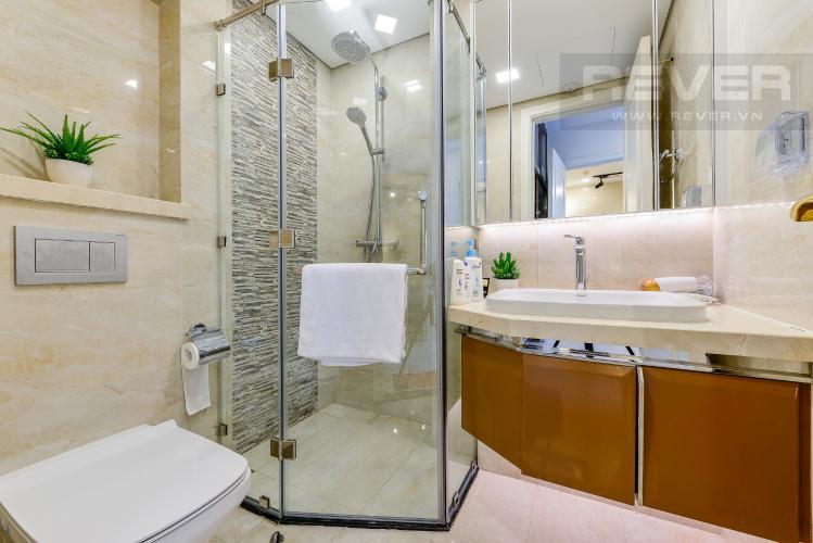 Phòng tắm 1 Căn hộ Vinhomes Golden River tầng thấp, tháp Aqua 4, 2 phòng ngủ, view hồ bơi.