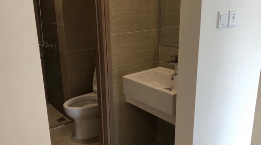 Toilet Vinhomes Grand Park Quận 9 Căn hộ Vinhomes Grand Park tầng cao, view nội khu quang đãng.
