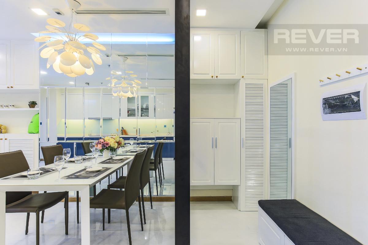 e7ac5105a45842061b49 Cho thuê căn hộ Vinhomes Central Park 2 phòng ngủ, tháp Park 4, đầy đủ nội thất, hướng Tây