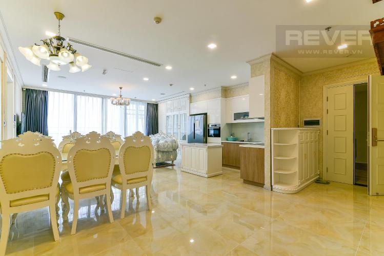 Phòng khách căn hộ VINHOMES GOLDEN RIVER Bán hoặc cho thuê căn hộ Vinhomes Golden River 3PN, đầy đủ nội thất, view sông Sài Gòn và Bitexco